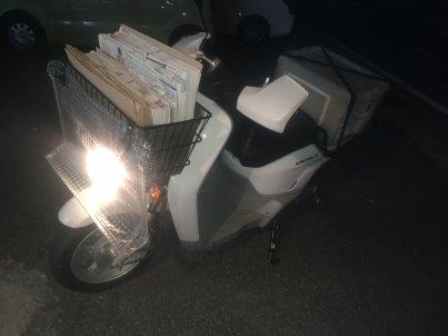 新聞配達用のスクーターBENRY